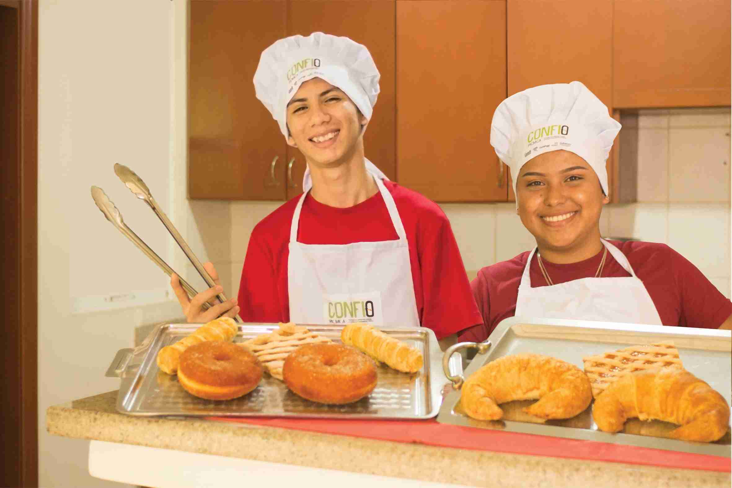 Teens show their baking in Nicaragua